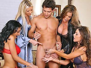 Gros Nichons, Blonde, Pipe, Brunes, Carolyn Reese, Pénis, 2 Femmes Et Un Homme, Sexe De Groupe, Hunter Bryce, Lesbiennes,