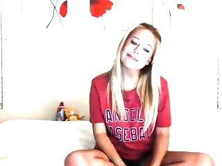 блондинки, фетиш, дрочущий, длинные волосы, модель, шорты, соло, дразнит, стринги, веб камера,